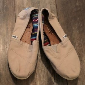 Youth size 5 Toms